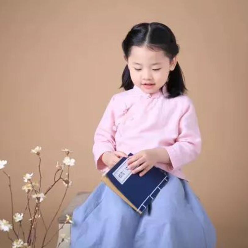 《影视演员》闫烊嘉
