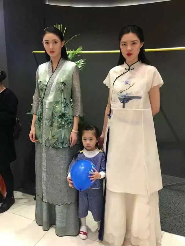 时代华娱陈帝伊T台走秀小模特小童模