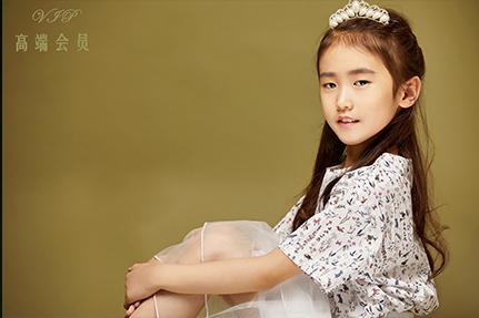 黄子玥-女王与少女之间随意切换