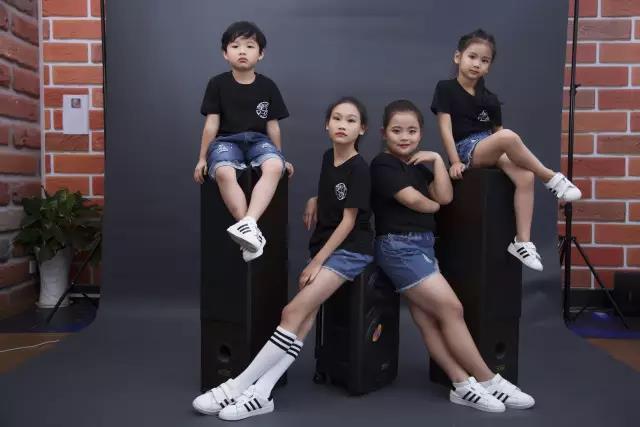 童星组合《双子天团》