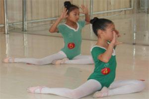 舞蹈老师对少舞蹈考级教实践应注意问题