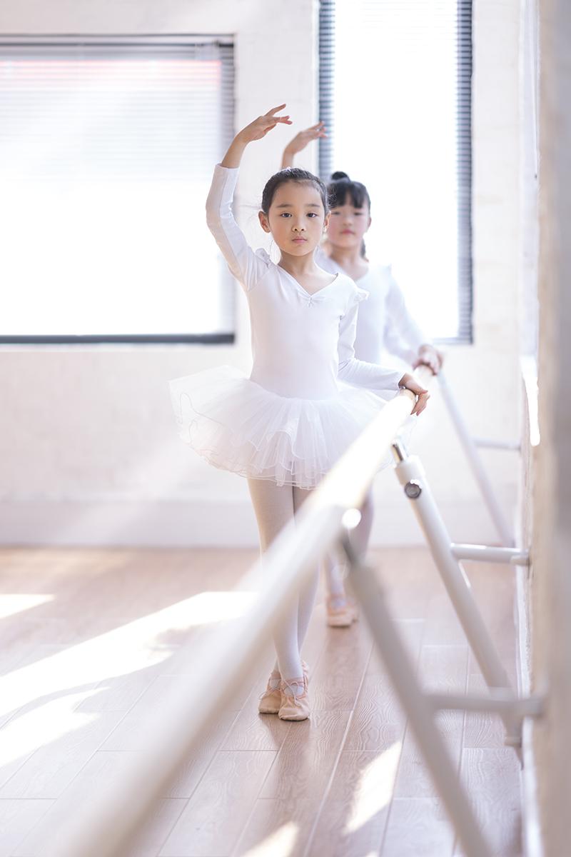 深圳宝妈不要担心练习宝宝学跳舞大腿变粗 深圳少儿舞蹈老师提供几个关键能预防